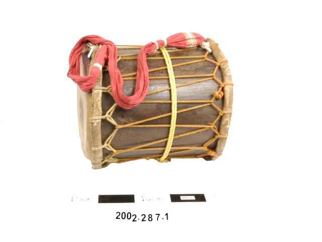 ezhupara; cylindrical drum