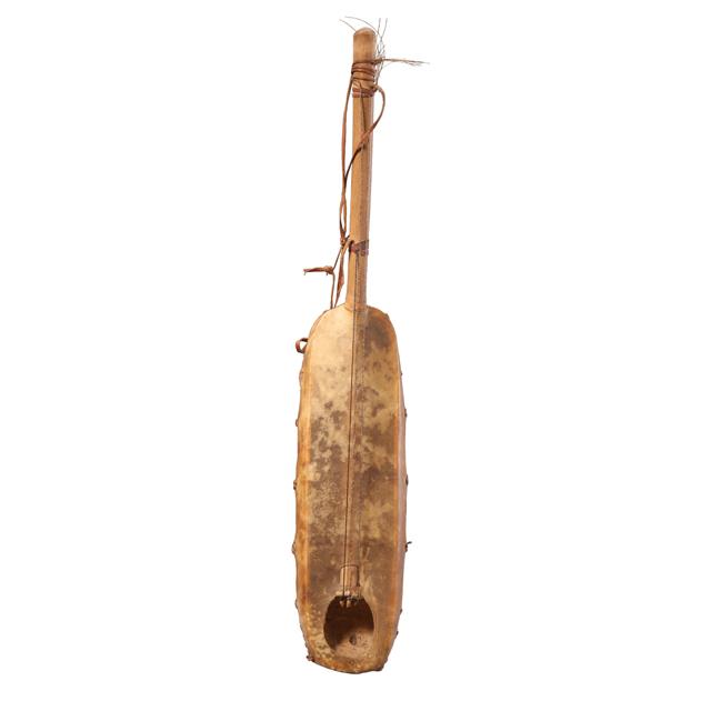 molo; tanged lute