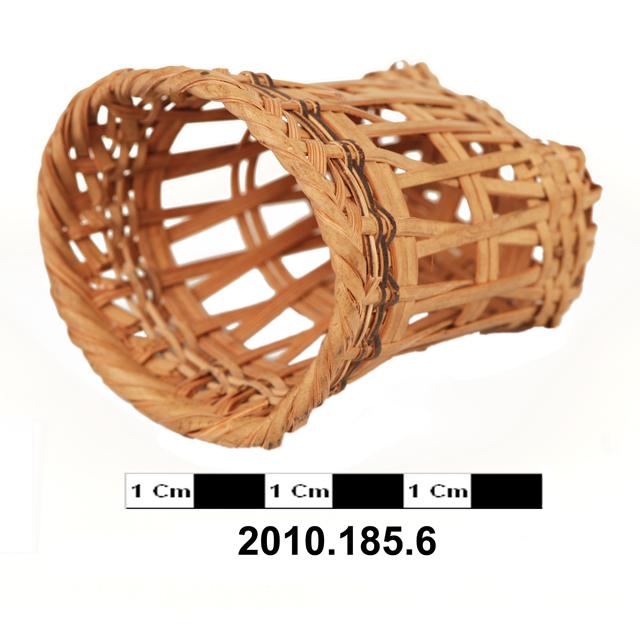 miniature basket; model house