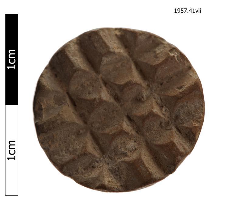 stamp (pattern marker (pottery))