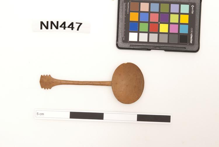Frontal view of front of Horniman Museum object no nn447