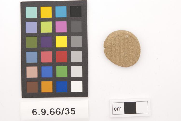 Frontal view of whole of Horniman Museum object no 6.9.66/35