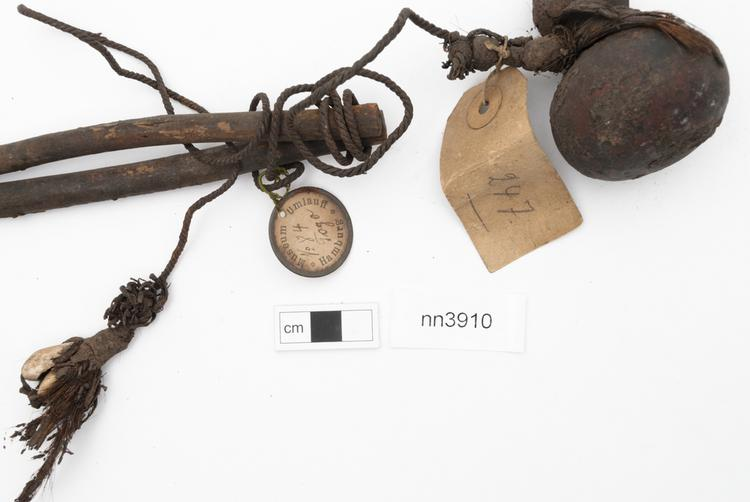 General view of label of Horniman Museum object no nn3910