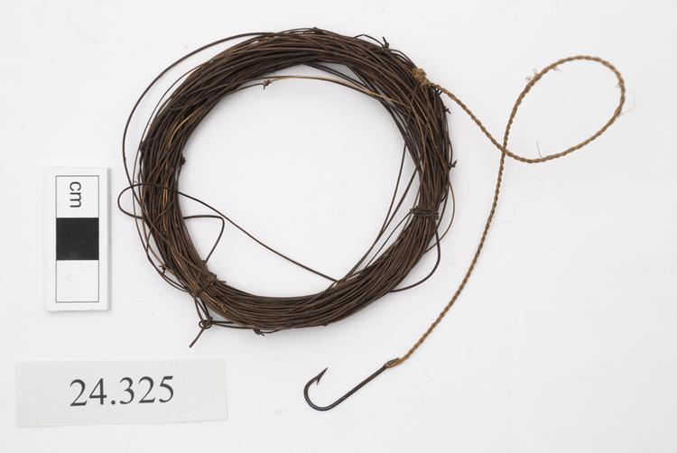 General view of whole of Horniman Museum object no 24.325
