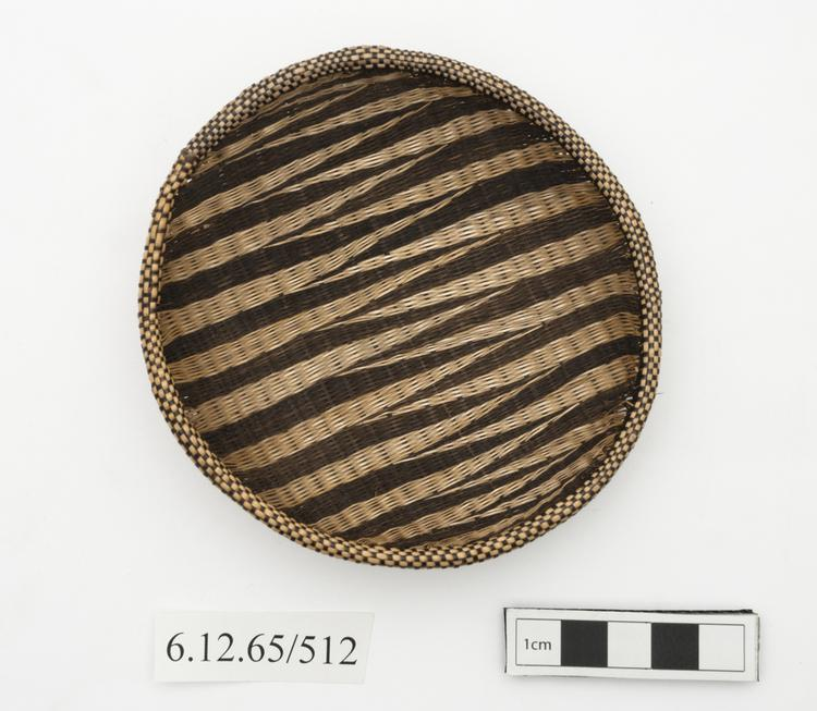 Top view of whole of Horniman Museum object no 6.12.65/512