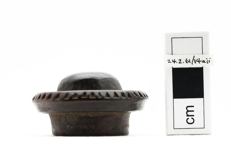 opium container; lid (containers)