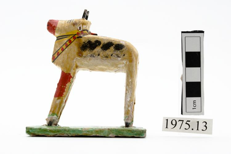 General view of whole of Horniman Museum object no 1975.13