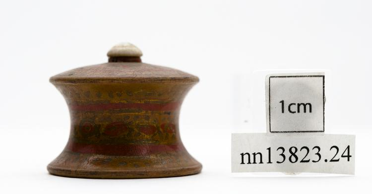 General view of whole of Horniman Museum object no nn13823.24