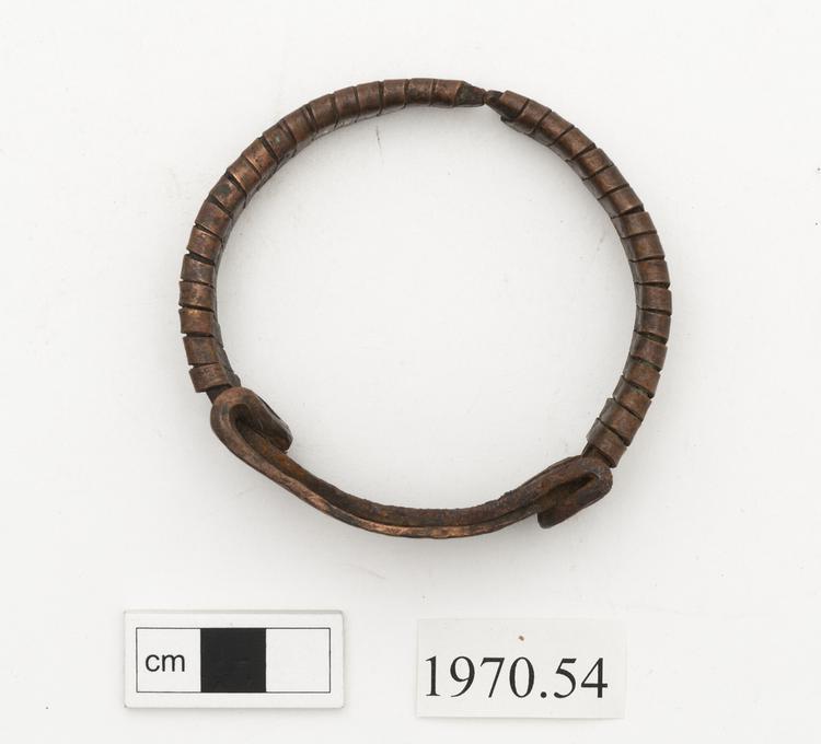 armlet (arm ornament)