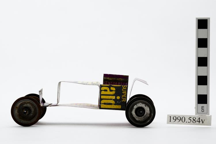 General view of whole of Horniman Museum object no 1990.584v