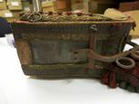 General view of bottom of Horniman Museum object no 13.1.61/1c