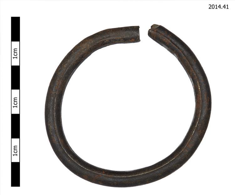 bracelet (adornments)