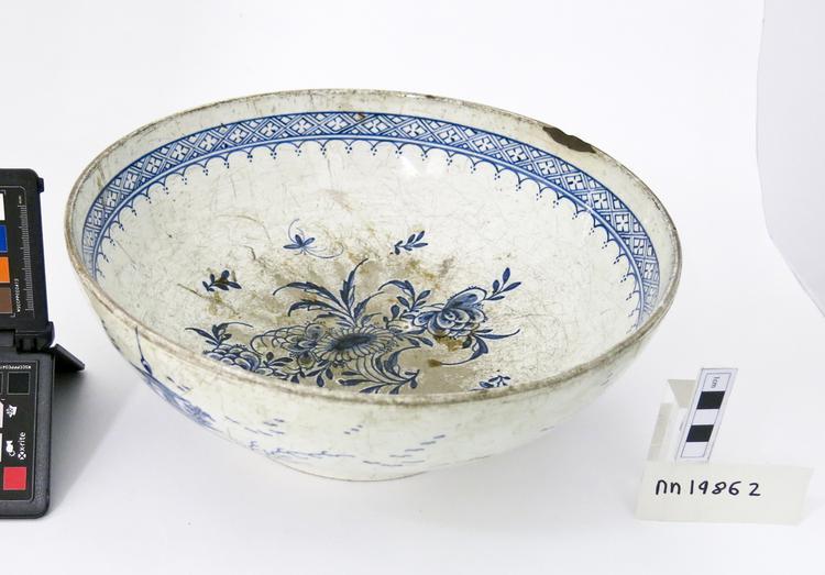 punch bowl (bowl (narcotics & intoxicants: drinking))