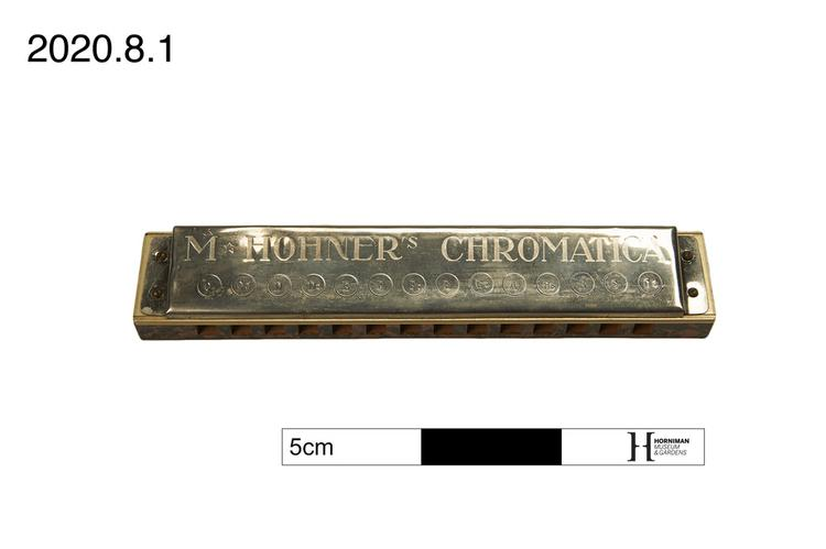 Frontal view of whole of Horniman Museum object no 2020.8.1